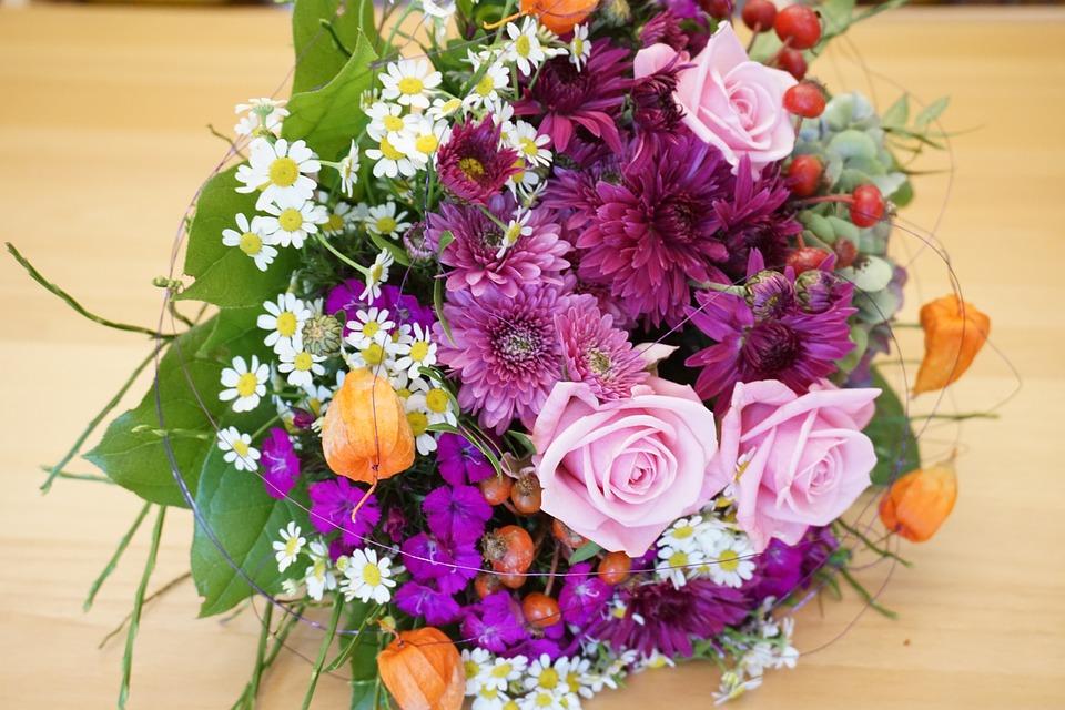 Красивый букет цветов к юбилею